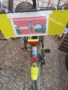 Jährlich Mo., 13. Juli: LFAT = Langenhagener Fahrrad-Abstands-Tag - - 🚲 🚌 🚲 🚍 🚲 🚐 🚲 🚗 🚲 🚘 🚲 🚙 🚲🚚 🚲 🚛 🚲 🚜 🚲 - -  Annually on Mo July 13: LBDD = Langenhagen Bike Distance Day