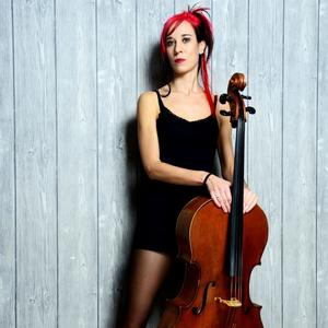 Ruth Maria Rossel Cello meets Loop