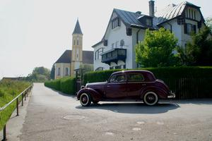 Oldtimer-Mercedes am Ammerseeufer