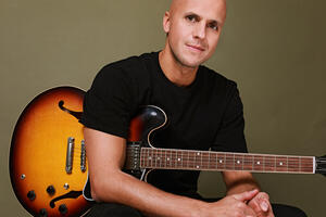 Milow  Platz 3 bei »Pretty in Plüsch« –  Single »First Day Of My Life« out now